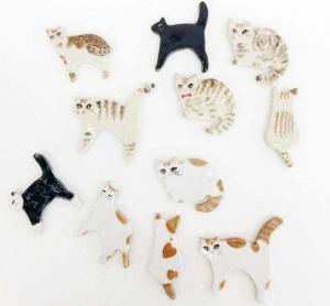 クッキーの抜き型で作る陶器の猫ブローチがいっぱい!