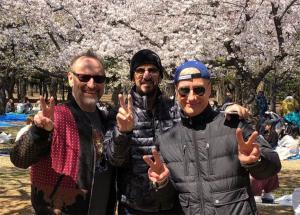 元ビートルズのリンゴ・スターが東京・代々木公園でお忍びの花見