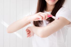 体毛の濃い原因を知って体毛を薄くする方法、脱毛サロンとクリニックの違い