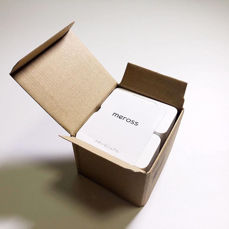 箱の中のMerossプラグ